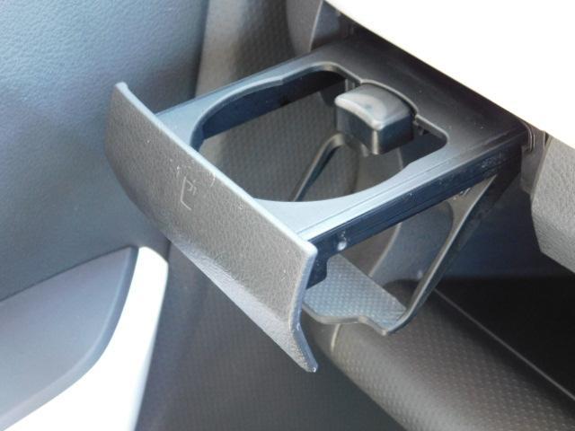 X ワンオーナー車 HIDヘッドライト 運転席シートヒーター キーフリー 走行距離69,668km(30枚目)