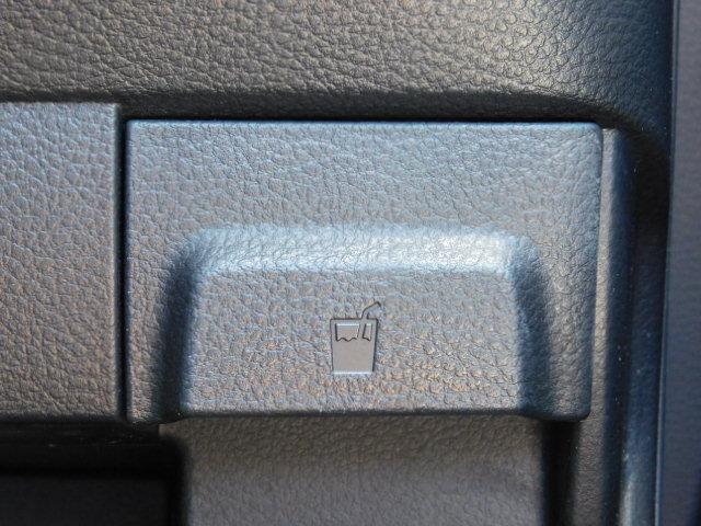 X ワンオーナー車 HIDヘッドライト 運転席シートヒーター キーフリー 走行距離69,668km(31枚目)