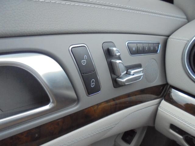 SL350ブルーエフィシェンシー ナビフルセグTVBカメラETCプワトロニックパワートランクキーレスゴーレーダーセーフティマジックスカイコントロールパノラミックバイオルーフAMG仕様20インチAW(17枚目)