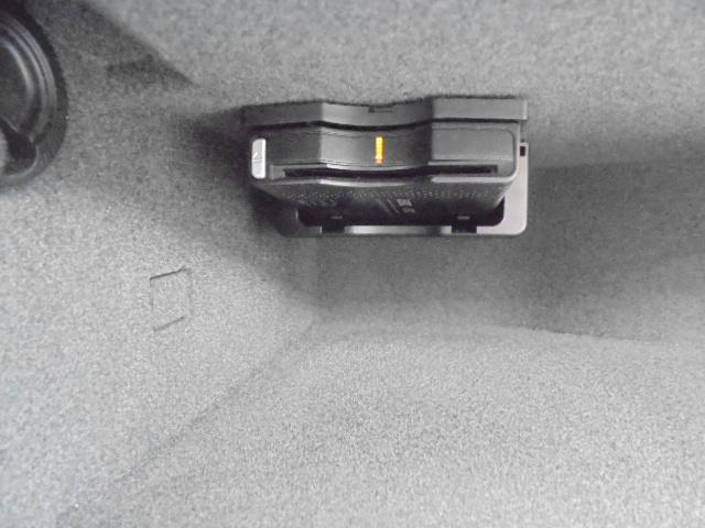 SL350ブルーエフィシェンシー ナビフルセグTVBカメラETCプワトロニックパワートランクキーレスゴーレーダーセーフティマジックスカイコントロールパノラミックバイオルーフAMG仕様20インチAW(18枚目)