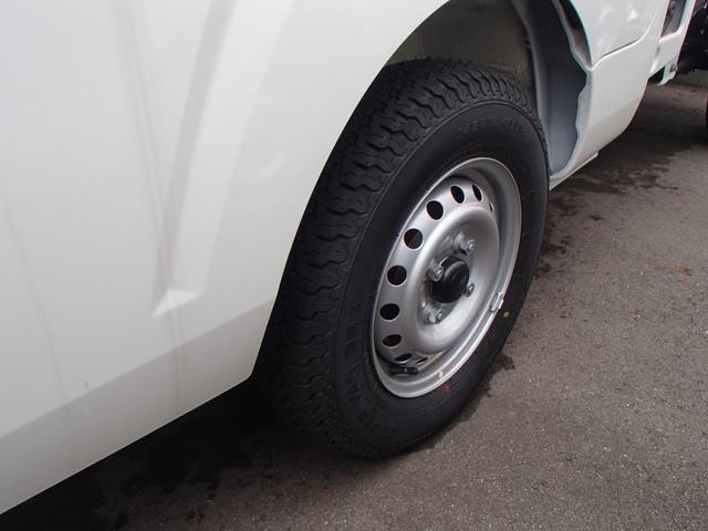 スタンダードSAIIIt 4WD 届出済未使用車 禁煙車 衝突被害軽減ブレーキ 5速マニュアル エアコン パワステ 三方開(9枚目)