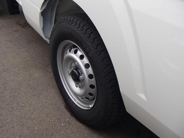 スタンダードSAIII 4WD 届出済未使用車 5速MT 衝突被害軽減ブレーキ エアコン パワステ 三方開(11枚目)