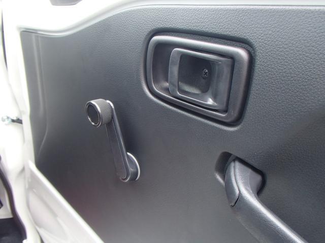 スタンダードSAIII 4WD 届出済未使用車 5速MT 衝突被害軽減ブレーキ エアコン パワステ 三方開(21枚目)