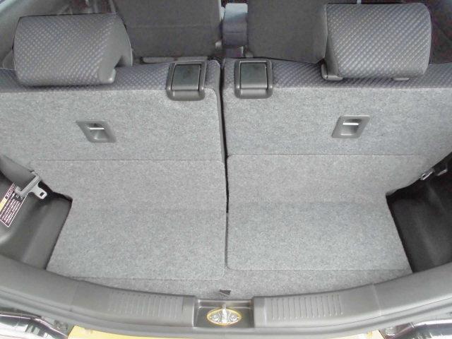 リヤシートの後ろスペースにはベビーカーも収納できます。毎日のお買い物はもちろん、子育てもサポート!