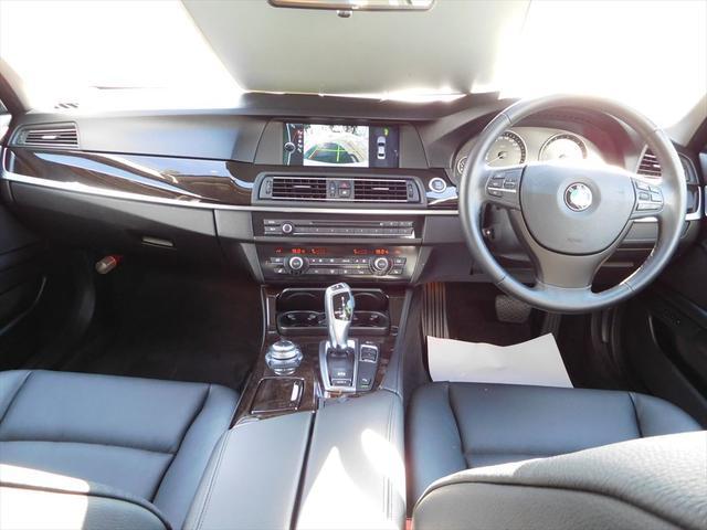 BMW BMW 523i HDDナビ 黒革パワーシート
