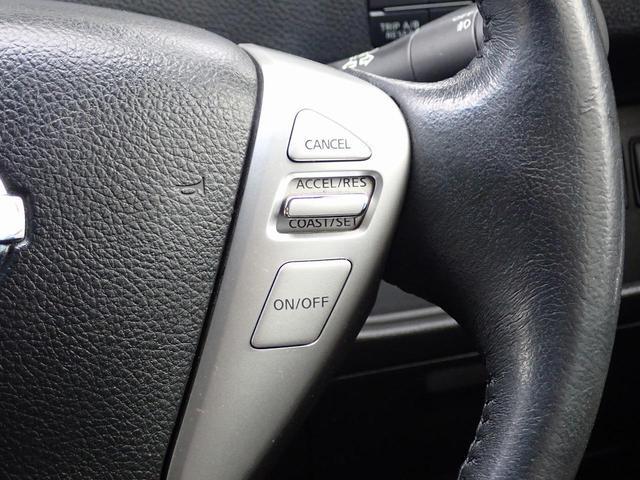 ★サイドモニターは車庫入れの強い味方。 車は構造上、死角がたくさん。チェックするために便利です。