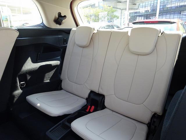 BMW BMW 218iグランツアラー ラグジュアリー 登録済未使用車