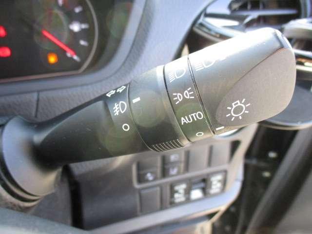 ZS 煌 電動スライドドア両側 ワンオ-ナ- スマキー ETC付 LEDライト CD TVナビ 禁煙車 DVD 3列シート メモリーナビ 横滑り防止装置 アルミ キーレス 盗難防止システム ABS 記録簿(54枚目)