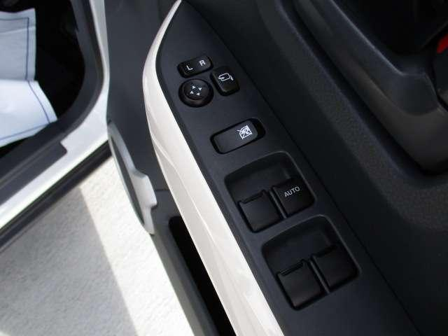 J シートH 横滑り防止 1オーナー AC キーフリー LED WエアB ABS アルミ スマートキー 禁煙車 誤発信抑制機能 Aストップ ベンチシート 盗難防止(57枚目)