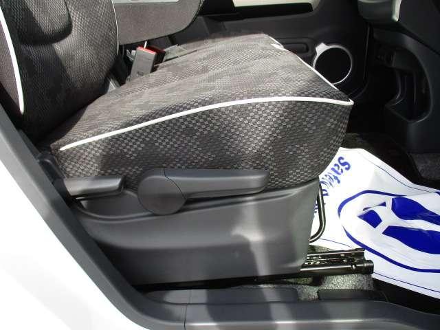 J シートH 横滑り防止 1オーナー AC キーフリー LED WエアB ABS アルミ スマートキー 禁煙車 誤発信抑制機能 Aストップ ベンチシート 盗難防止(58枚目)