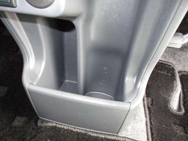 J シートH 横滑り防止 1オーナー AC キーフリー LED WエアB ABS アルミ スマートキー 禁煙車 誤発信抑制機能 Aストップ ベンチシート 盗難防止(67枚目)