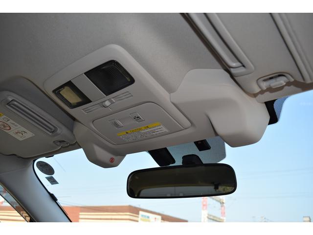 追従機能付きクルーズコントロールを装備。前方車両との車間距離を一定に保つようにクルーズコントロールを制御します。