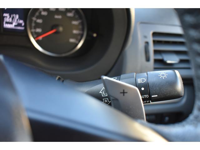 パドルシフトオートマ(オートマ車なのに、マニュアル感覚でドライブが出来ます。ハンドルに付いたシフトボタンで、シフトチェンジが出来ます。)