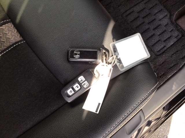 G・Lターボホンダセンシング ドラレコ ホンダセンシング エアロ キーフリー ESC LEDヘッド ターボ車 クルコン ETC スマートキー アルミ ベンチシート アイドリングストップ 盗難防止装置 ABS 両側自動D エアバック(16枚目)
