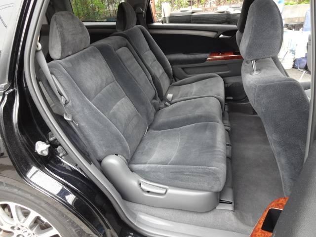 ☆消臭抗菌クリーニング施工後です。このように汚れたシートも全車キレイさっぱり!!お客様に気持ちよくお乗りいただくためにスタッフ一同心を込めて施工しています!!