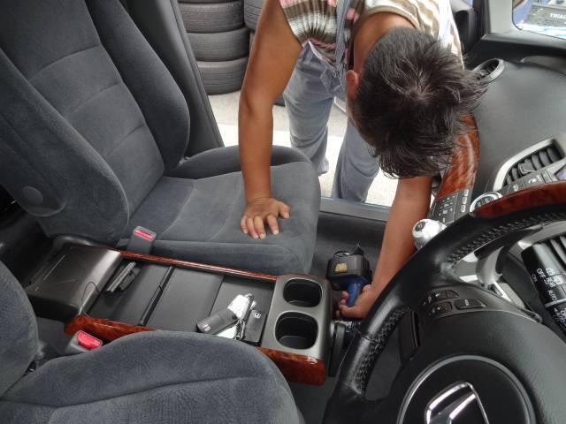 ☆すべてのお車は消臭抗菌クリーニング、WAX施工後にシートを取り付け、最終チェックをしています。