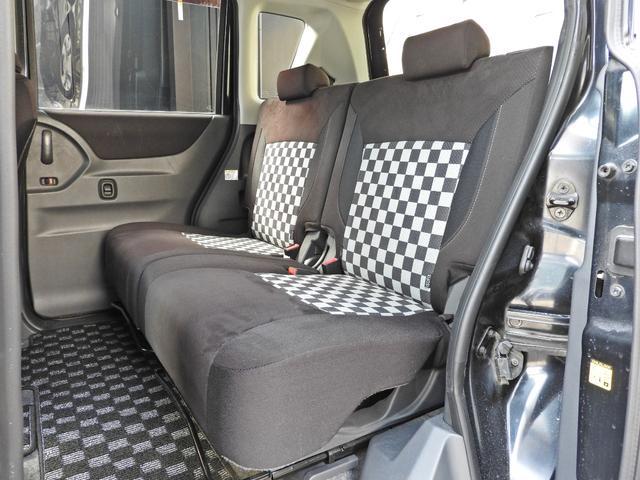 ブラック&ホワイト 社外SDナビ・DTV・スマートキー・ETC・シートヒーター・両側パワースライドドア・HIDライト・LEDイルミネーション(13枚目)