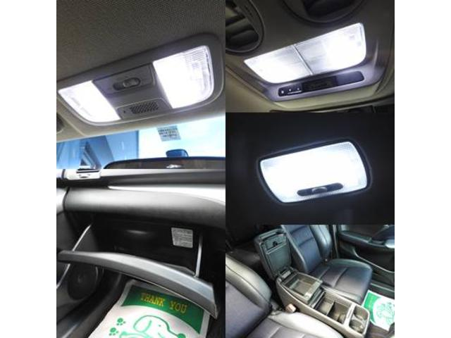 アブソルート 純正HDDナビ・DTV・マルチビューカメラ・bluetooth・純正フリップダウンモニターETC・USB・スマートキー・LED室内灯・HIDライト(11枚目)