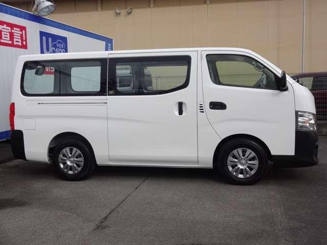 2.0 DX ロングボディ エマージェンシーブレーキ・ガソリン車(4枚目)