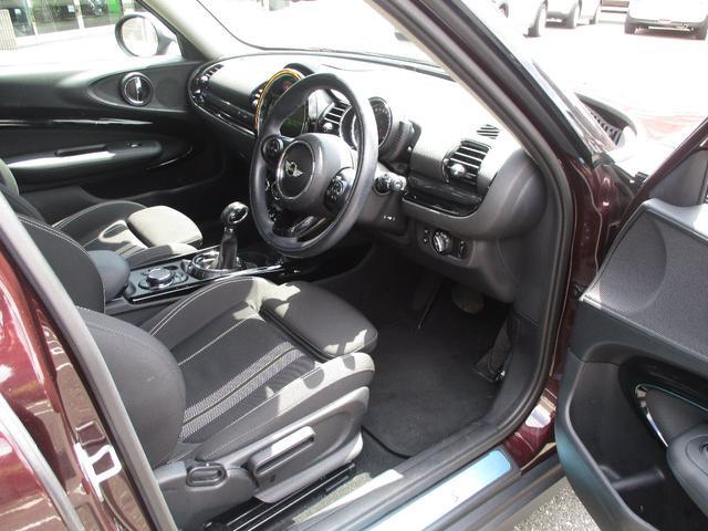●シートは前後上下に調節が可能です。どんなドライバーでも最適なシートポジションを取ることができます。