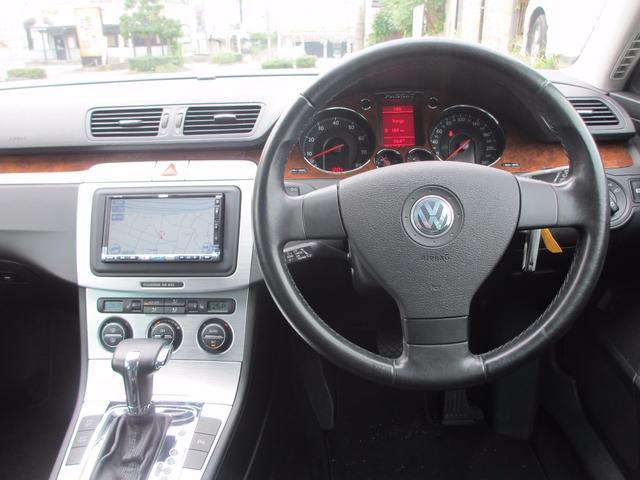 フォルクスワーゲン VW パサートヴァリアント V6 4モーション 4WD 革 ナビTV バックカメラ