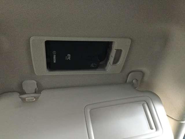 運転席サンバイザーの裏にはETCが装着されています・納車した日からすぐ使用出来ます♪
