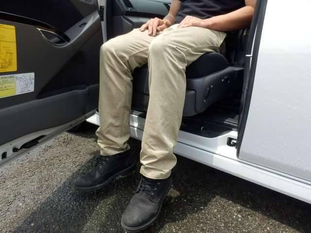 トヨタ アイシス プラタナ ウェルキャブ 助手席リフトアップシート車 Aタイプ
