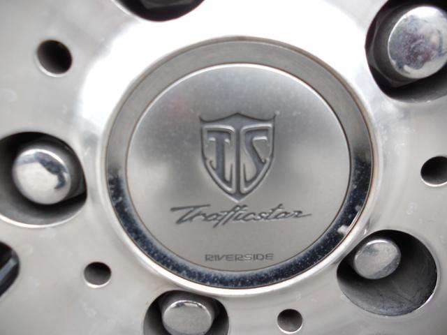 トヨタ セルシオ C仕様 DVD バイザーモニター 19インチアルミ
