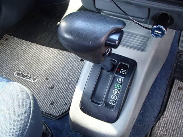 三菱 パジェロミニ プライバシーガラス 背面タイヤ