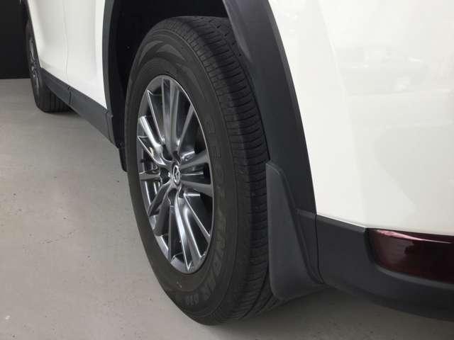 タイヤ溝もまだまだ残っています。新しいタイヤに変えたい方にはお買い得価格でご案内させていただきます。詳しくはスタッフまで。