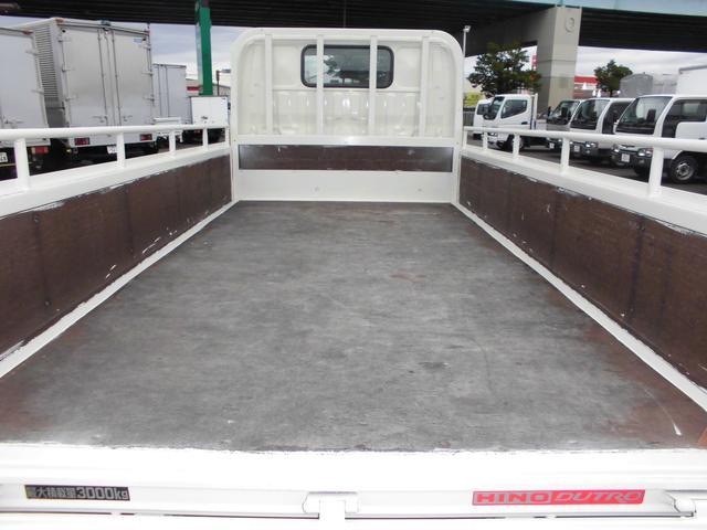 3トンフルジャストロー平ボディ 4ナンバー車 バックカメラ(10枚目)