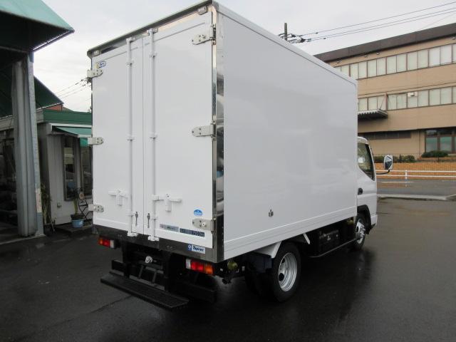 「その他」「キャンターガッツ」「トラック」「福岡県」の中古車4