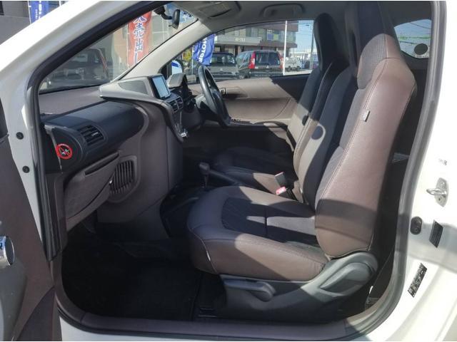 トヨタ iQ 100Gレザーパッケージ
