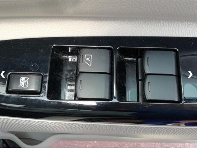 S ヘッドランプアイドリングストップパワーウインドウキーレスマニュアルエアコンベンチシート2列目シート形状分割可倒パワーステアリングEBD付ABSヒルスタートアシスト(13枚目)