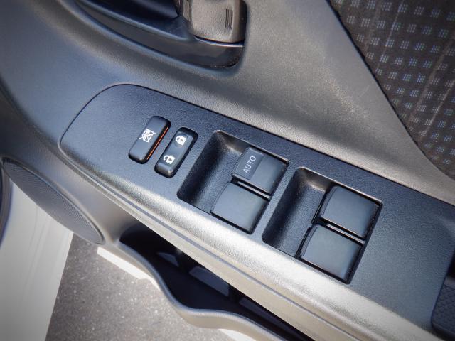 F 1年保証付き キーレス CDオーディオ エアコン パワステ パワーウィンドウ 横滑り防止 ETC エアコン パワステ パワーウィンドウ ABS 運転席エアバック 助手席エアバック(12枚目)