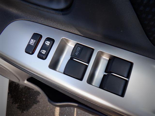 F 1年保証付 メモリーナビ ETC CD再生 アイドリングストップ キーレス 運転席エアバッグ 助手席エアバッグ ABS 横滑り防止システム 車検整備付 走行距離77,282km 修復歴なし(11枚目)