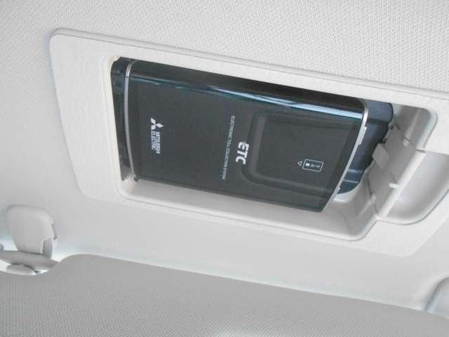 2.2 XD Lパッケージ ディーゼルターボ レザーシート BOSE 360°モニター 360度 ターボ AW シートヒーター パワーシート スマートキー 盗難防止システム アダプティブクルーズ コーナーセンサー サイドカメラ シティブレーキ(16枚目)