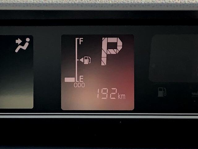 カスタムRS 両側電動スライドドア・パノラマカメラ・コーナーセンサー・プッシュボタンスタート・ステアリングスイッチ・アルミホイール・キーフリーシステム・シートヒーター・パワーウィンドウ(5枚目)