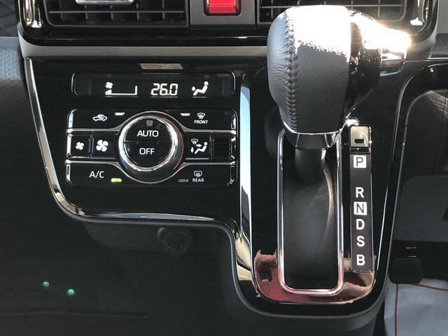 カスタムRS 両側電動スライドドア・パノラマカメラ・コーナーセンサー・プッシュボタンスタート・ステアリングスイッチ・アルミホイール・キーフリーシステム・シートヒーター・パワーウィンドウ(10枚目)