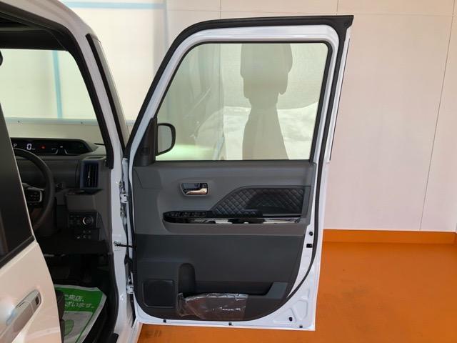 カスタムRSセレクション 両側電動スライドドア・コーナーセンサー・CDオーディオ・プッシュボタンスタート・オートエアコン・ETC・ステアリングスイッチ・キーフリーシステム・シートヒーター・アルミホイール・パワーウィンドウ(39枚目)