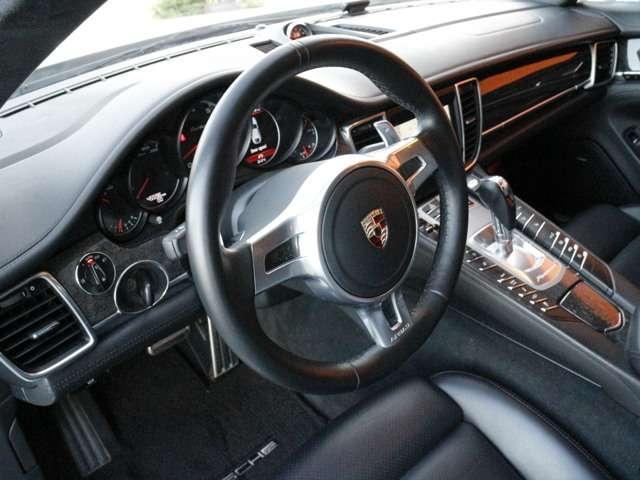 ポルシェ ポルシェ パナメーラ ターボ SクロノPG黒革SRD車