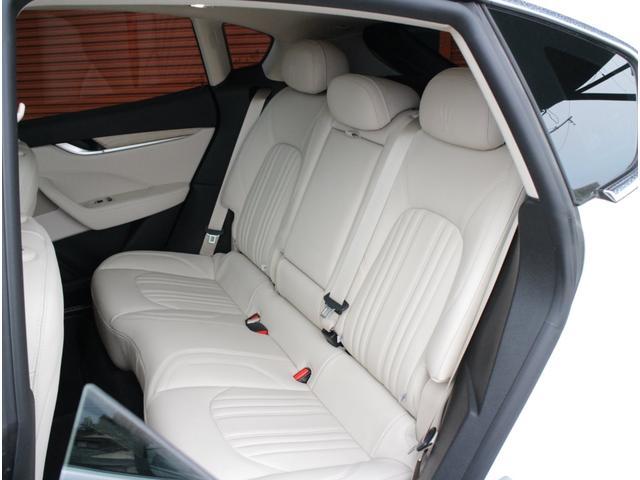 ディーゼル 4WD 正規D車プレミアムPG白革SパノラマSR(19枚目)
