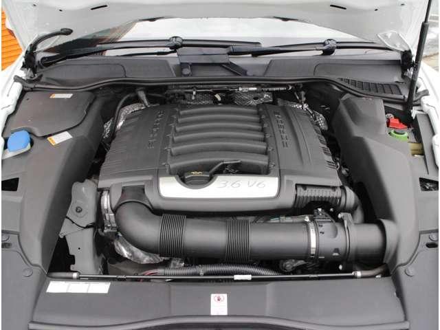 V型6気筒DOHCエンジン!3600ccティプトロニック8速オートマ!軽快な走りが人気の秘訣です!ただのSUV車ではありません!ポルシェパワー300ps(カタログ値)!