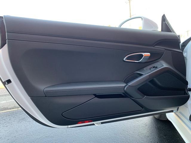 718ボクスターS PDK スポーツクロノPKG・正規ディーラー車・ポルシェエントリー&ドライブ・カレラ20インチAW・電動OP・純正ナビTV・Bカメラ・シートヒーター・カラークレストセンターキャップ・レッドキャリパー(29枚目)
