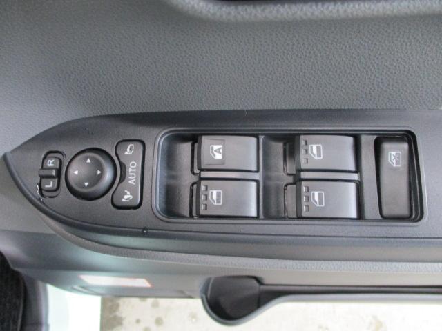 X サポカー シートヒーター付き 1オーナー 禁煙車 LED(29枚目)