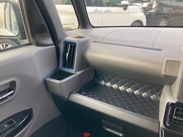 カスタムXセレクション 両側パワースライドドア シートヒーター付き バックカメラ(40枚目)