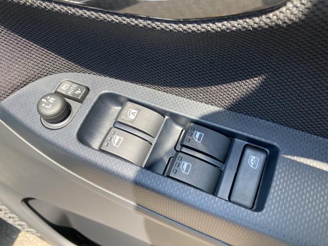 カスタム XリミテッドII SAIII パノラマモニター対応 シートヒーター(運転席) プッシュスタートボタン LEDヘッドライト LEDフォグランプ オートライト(35枚目)