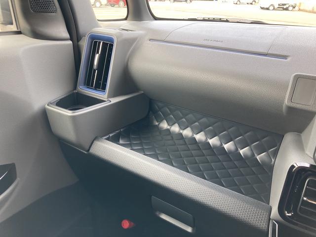 カスタムXセレクション 両側パワースライドドア シートヒーター バックカメラ LEDヘッドライト(65枚目)