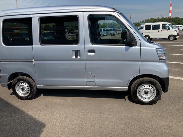 DX SAIII 2WD オートマチック車 キーレス 純正ラジオ 両側スライドドア スマートアシスト搭載(4枚目)