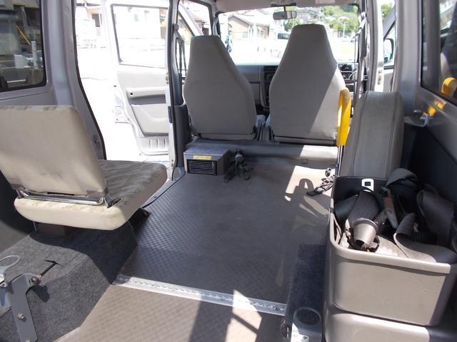 AUTECH 福祉車両 車椅子移動車(15枚目)
